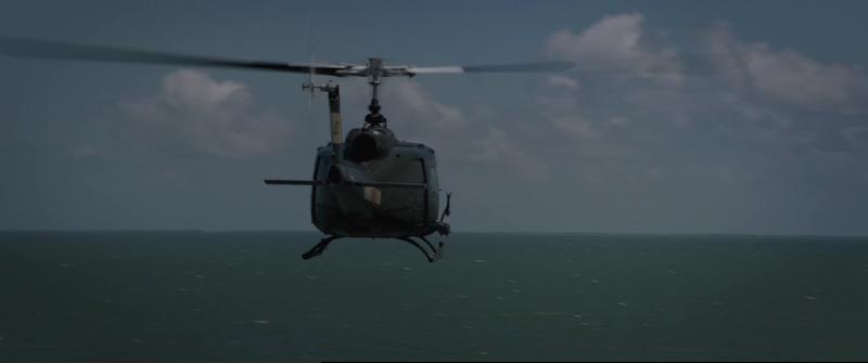 План побега (Escape Plan) 2013 - Вертолет подлетает к кораблю