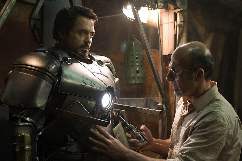 Железный человек в костюме