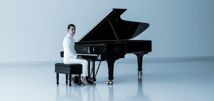 Дэвид за пианино (Чужой Завет 2017)